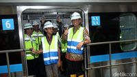 Anies dan 12 Gerbong MRT di Lebak Bulus