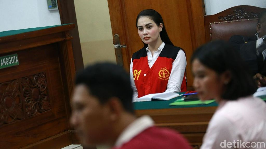 Haris Chatting Mesra Cewek Lain, Jennifer Dunn Percaya Tak Dikhianati