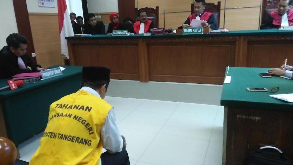 Pak RW Penelanjang Sejoli di Tangerang Divonis 1,5 Tahun