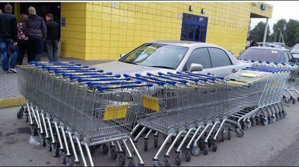 Hukuman Buat yang Suka Parkir Sembarangan