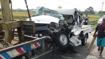 Gagal Menyalip, Pikap Menabrak Dua Mobil Lainnya di Boyolali