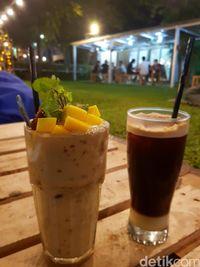 The Green Cafe: Asyiknya Piknik di Kebun Sambil Makan Pasta dan Ngopi Cantik