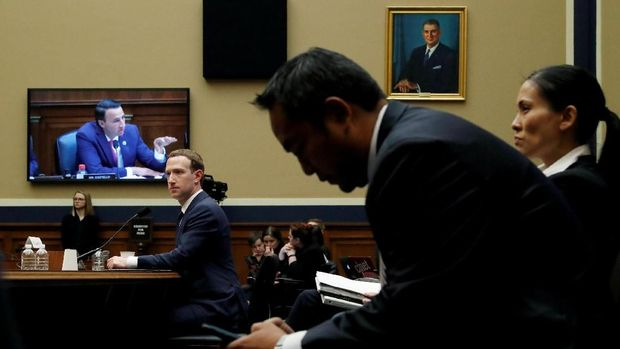 Zuckerberg Pun Jadi Korban Kebocoran Data Facebook