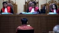 Tingkah Novanto di Sidang Sebelum Vonis: Tidur hingga Menangis