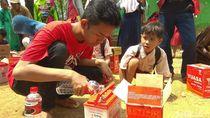 Belum Teraliri Listrik, Kampung Cilele Kini Terang oleh Lampu Limar