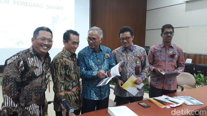 Direksi Adhi Karya. Foto: Danang Sugianto
