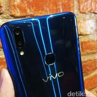 Vivo V9 Berbalut warna Biru yang Menggoda