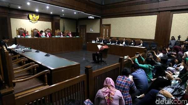 Pengacara Novanto Kutip Dirdik KPK Aris Budiman Saat Pleidoi