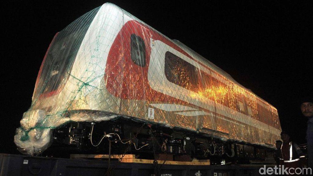 Dikirim dari Korea, Ini Penampakan Kereta LRT Jakarta