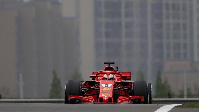 Ferrari Kuasai Latihan Ketiga, Vettel Tercepat