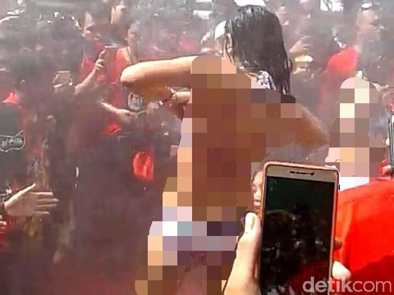 Usut Tuntas Tarian Erotis di Pantai Kartini