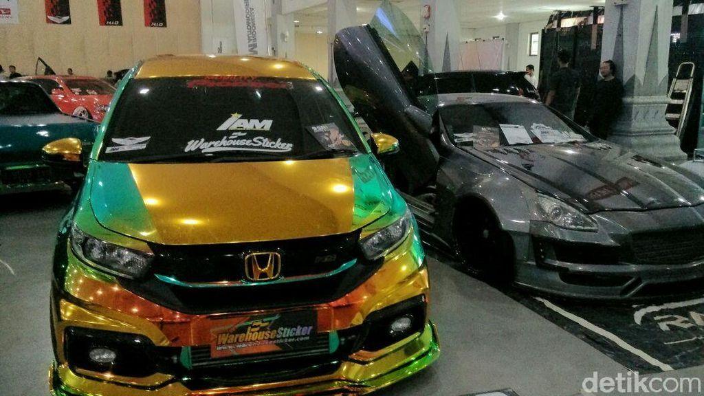Ratusan Mobil Modif Adu Keren di Yogyakarta