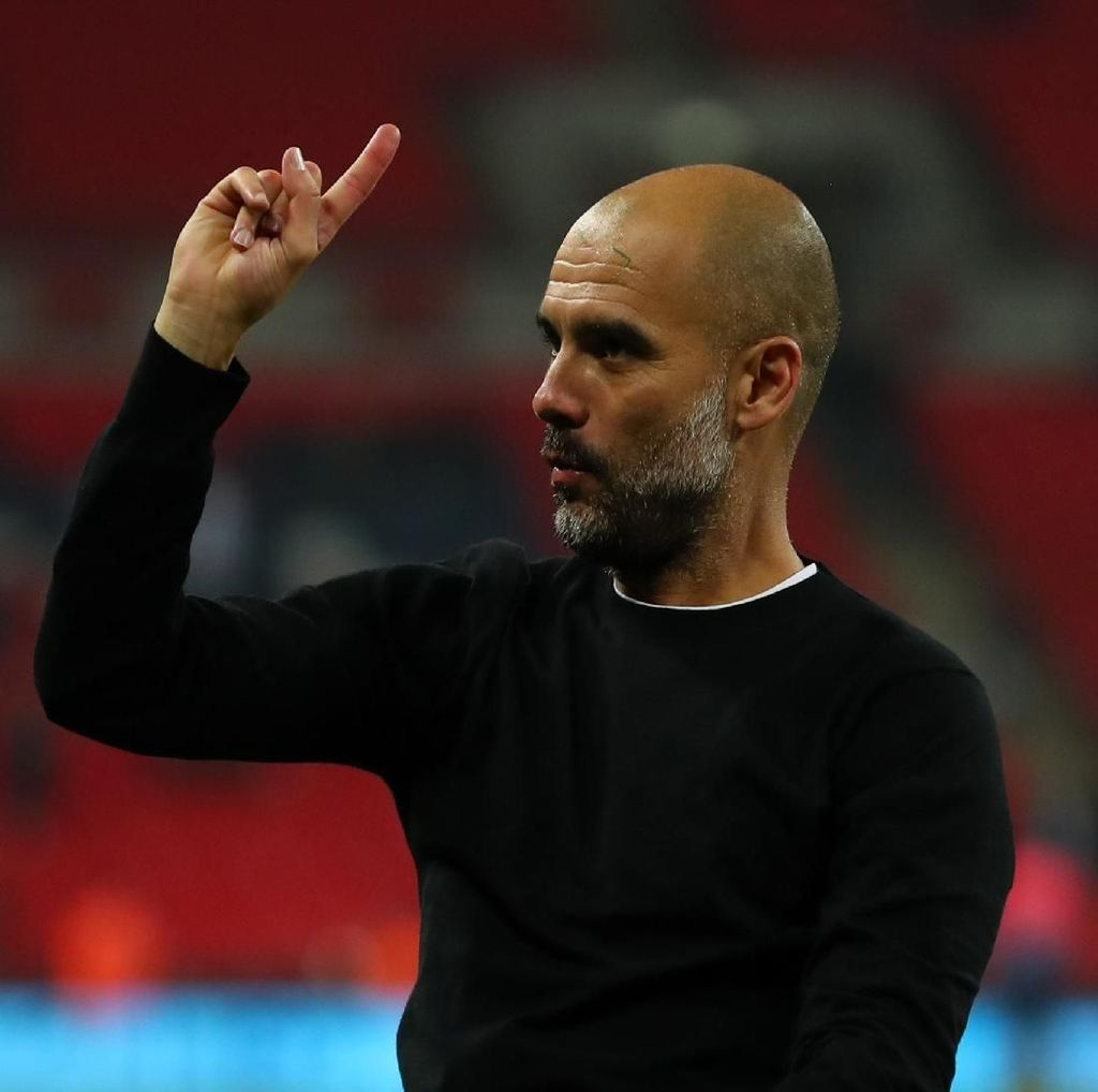Penghormatan Guardiola untuk Seluruh Karyawan City