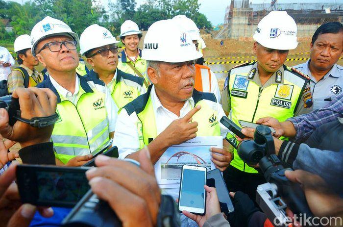 Menteri Pekerjaan Umum dan Perumahan Rakyat (PUPR) Basuki Hadilmuljono mengatakan, mudik Lebaran tahun ini akan lebih baik dibanding dengan tahun lalu. Dia mengatakan, pada tahun ini pemudik bisa menggunakan tol hingga ruas Semarang.