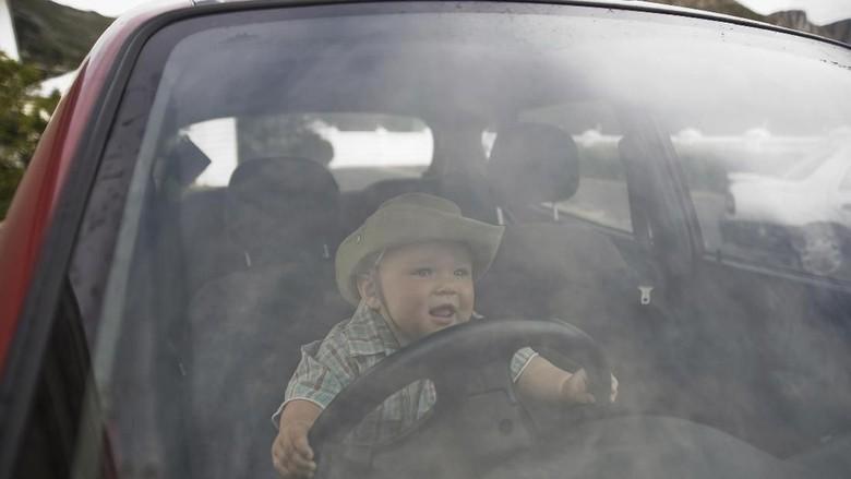 Ada Ayah Taruh Bayi di Setir Mobil, Menurut Bunda Gimana?/ Foto: Thinkstock