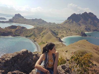 Maudy Ayunda yang Terdiam Melihat Alam Indonesia