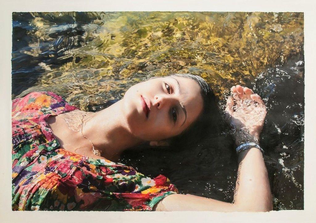Yigal adalahseniman lukis asal Israel yang berbasis di New York. karya Ozeri merupakan aliran photorealistic, hasil lukisannya benar-benar tampak seperti hasil dari jepretan kamera.Foto: yigalozeriartist