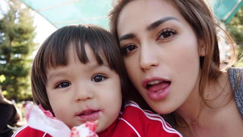 Ke AS, Jessica Iskandar Terbahak-bahak Diisukan Hamil di Luar Nikah