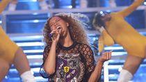 Malfungsi Busana, Beyonce Tetap Tampil Memukau di Coachella