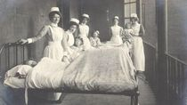 Inilah 10 Potret Perawat Jadul Era 1900-1910, Cantiknya Tak Biasa!