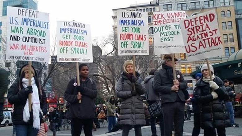 Aksi Demo Memprotes Serangan ke Suriah Digelar di Kota-kota AS