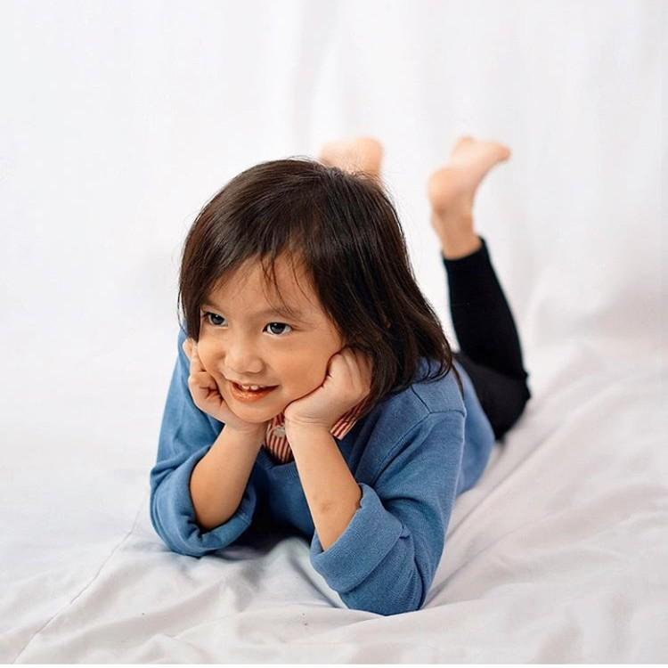 Anak empat tahun ini memang ekspresif banget. Dialah Saga Omar Nagata. (Foto: Instagram @sagaomarnagata)