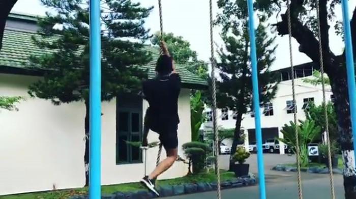 Siapa yang mau coba latihan fisik ala Paspampres? Foto: Instagram/suhartono323