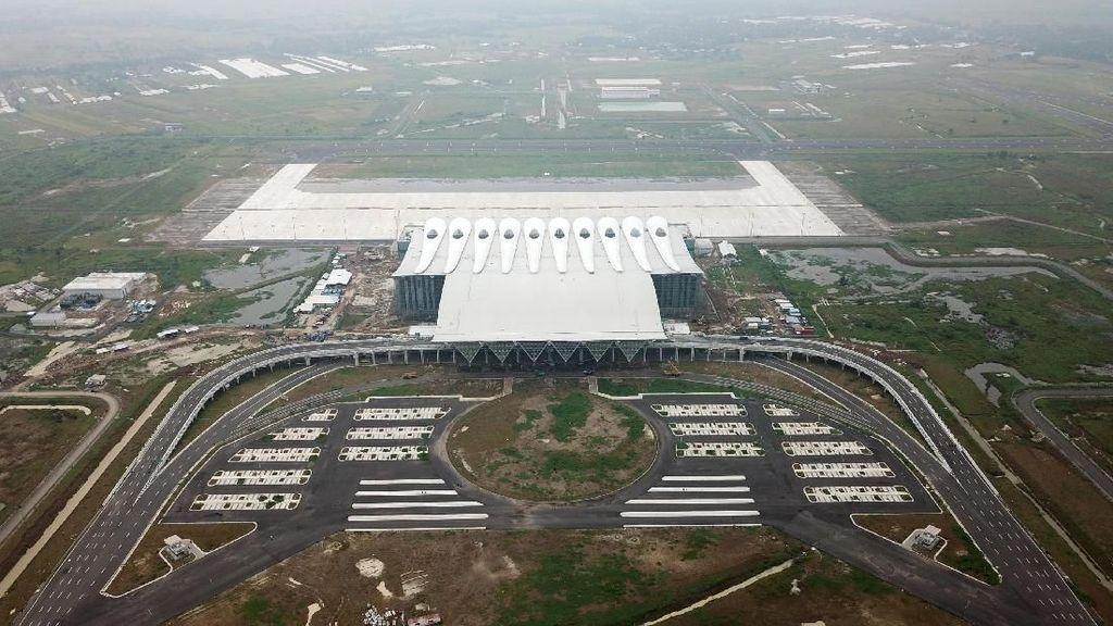Saat Jokowi Kunjungi Bandara Kebanggaan Jawa Barat