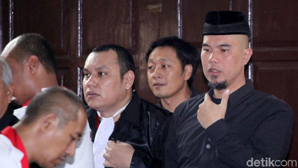 Tak Ditahan, Ahmad Dhani Diminta Hakim Selalu Hadiri Sidang