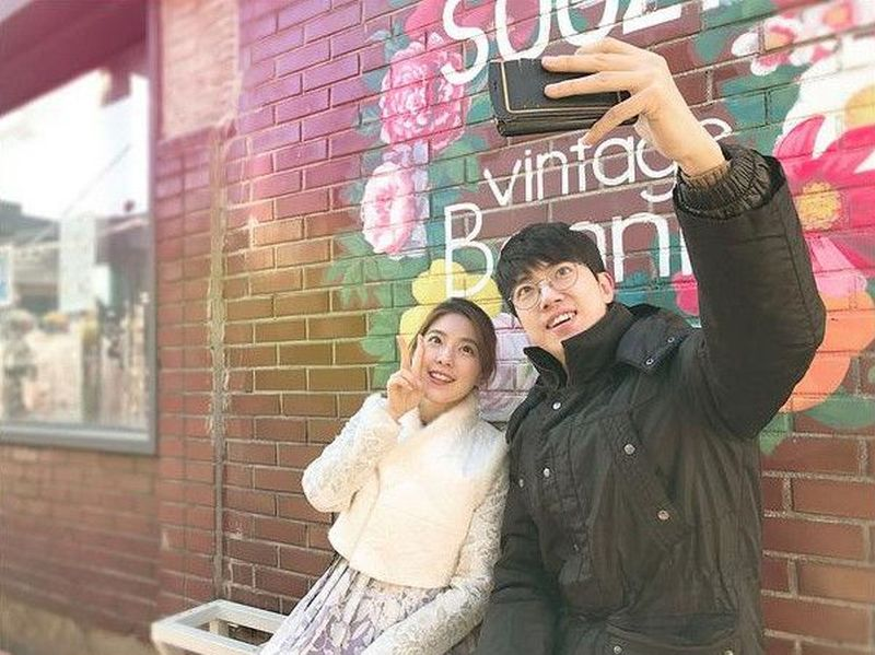 Oh My Oppa menawarkan jasa pemandu wisata laki-laki tampan asli Korea, yang biasa dipanggil dengan sebutan oppa. Mereka akan menemani berkeliling Seoul (Oh My Oppa)