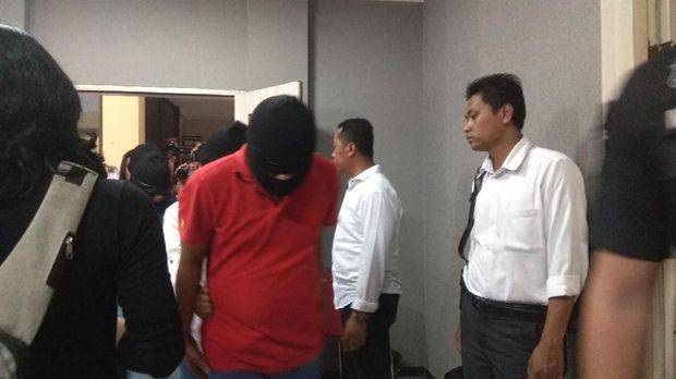 Pesta Seks Komunitas Seks Menyimpang di Surabaya Tersingkap