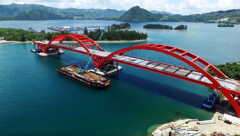 Jembatan sepanjang 1.328 meter termasuk bentang utama 732 meter ini berada di atas Teluk Youtefa. Istimewa/Sekretariat Presiden Biro Pers Media dan Informasi.