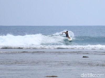 Pantai Tanjung Setia, Surga Peselancar Dunia di Lampung