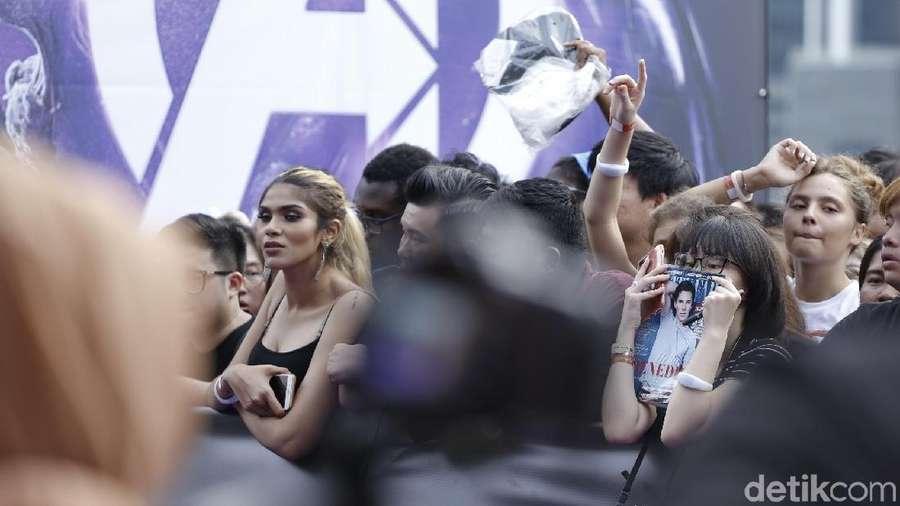 Yuni Shara yang Dinyinyirin Netizen, Aksi Konyol Robert Downey Jr