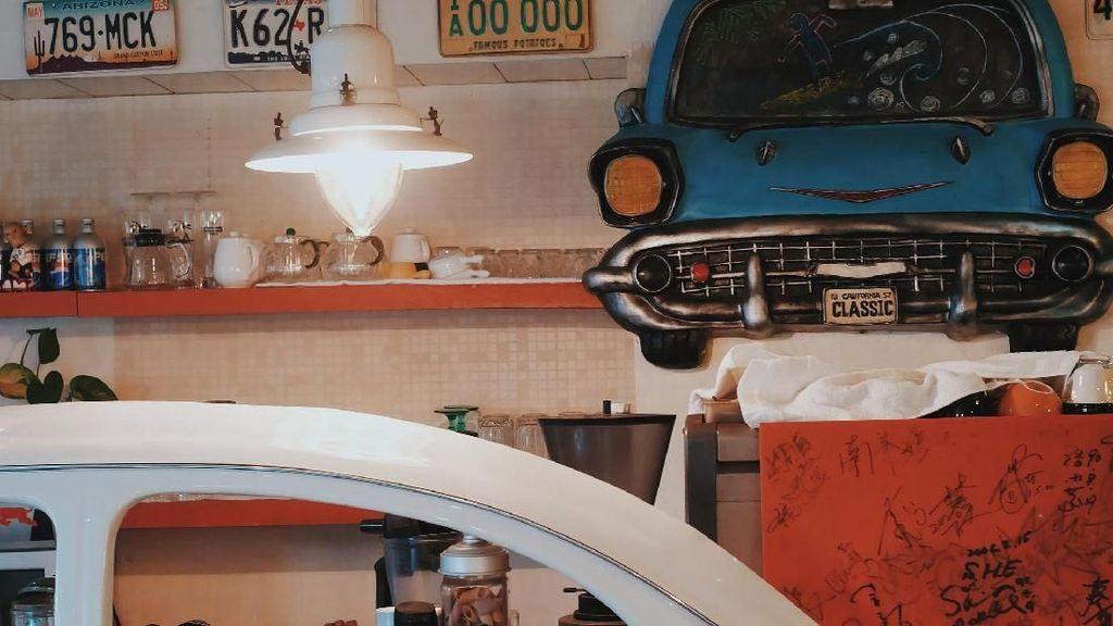 Menikmati Pancake dan Chicken Wrap di Kafe yang Jadi Lokasi Syuting Meteor Garden