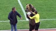 Ketika Beruang Buka Laga Sepakbola
