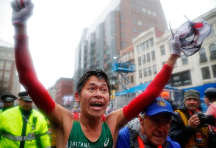 Sosok Yuki Kawauchi mencuri perhatian setelah menjuarai Boston Marathon 2018 baru-baru ini. Ia menyelesaikan jarak 42,195 km dalam waktu 2 jam 15 menit 54 detik, mengungguli para atlet elit sedunia. Foto: Brian Fluharty-USA TODAY Sports/Reuters