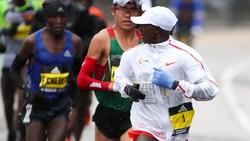 Di sela kesibukan sebagai pegawai negeri, Yuki Kawauchi selalu bisa curi waktu untuk olahraga. Kini ia jadi buah bibir setelah menjuarai Boston Marathon 2018.