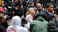 Momen Heboh Saat Bintang Porno Hadiri Sidang Pengacara Trump