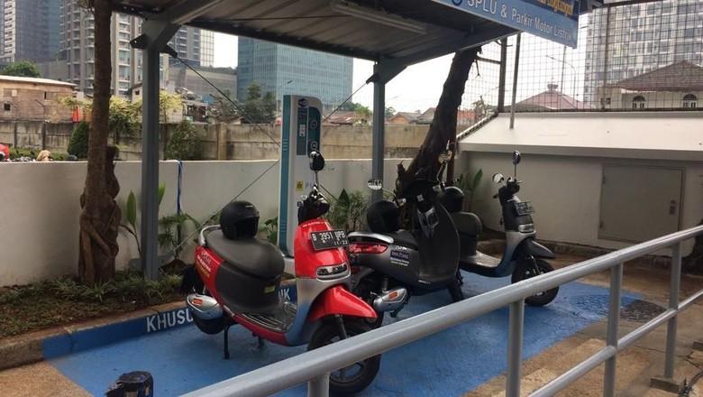 Pengguna Motor Listrik di Indonesia Kian Banyak