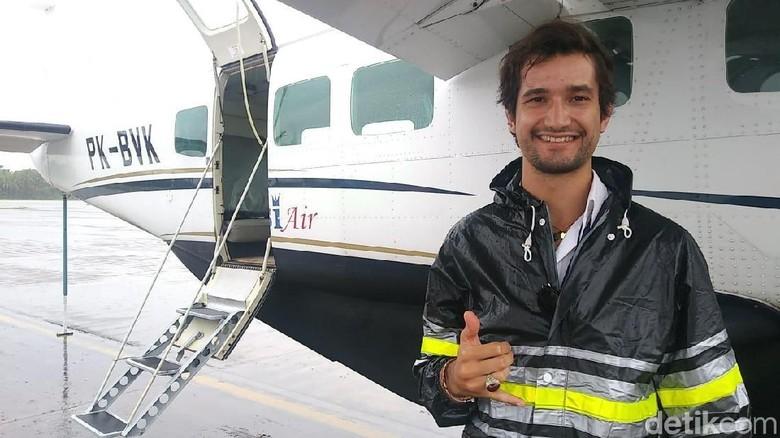 Miguel, pilot pesawat Susi Air (Randy/detikTravel)