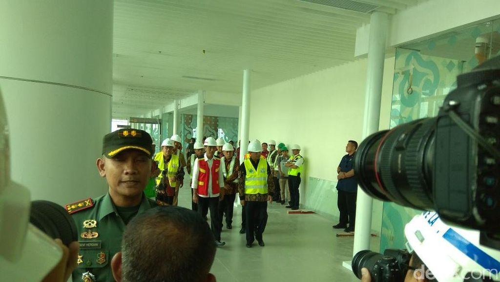 Helikopter Jokowi Mendarat Mulus di Bandara Kertajati