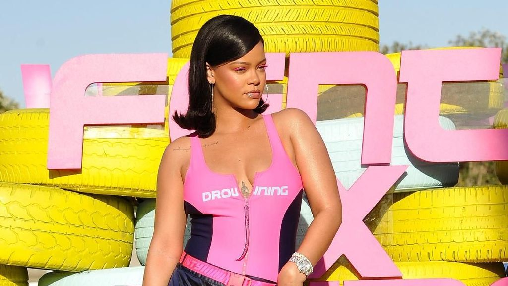Work, Work, Work! Rihanna Kebut Kerjakan 2 Album Baru