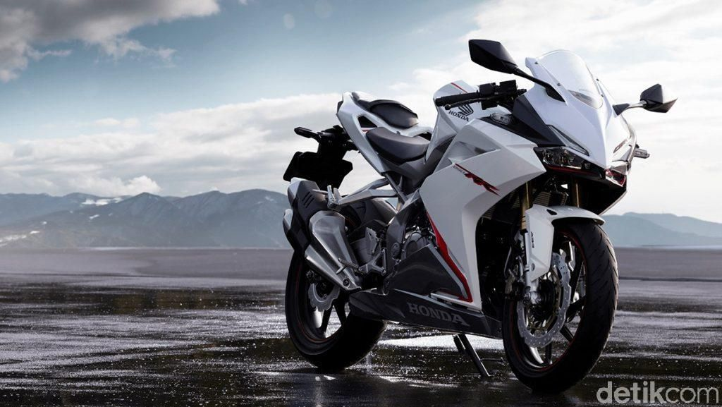 Honda CBR250RR Putih, Keren Abis!