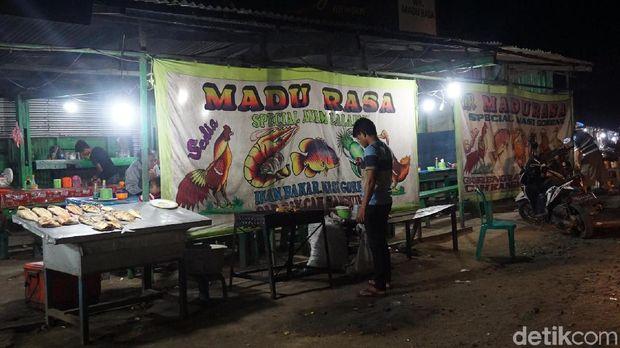 Kedai seafood di Sorong (Shinta/detikTravel)