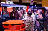 Jokowi Kunjungi Booth Kiat Mahesa Wintor di IIMS 2018