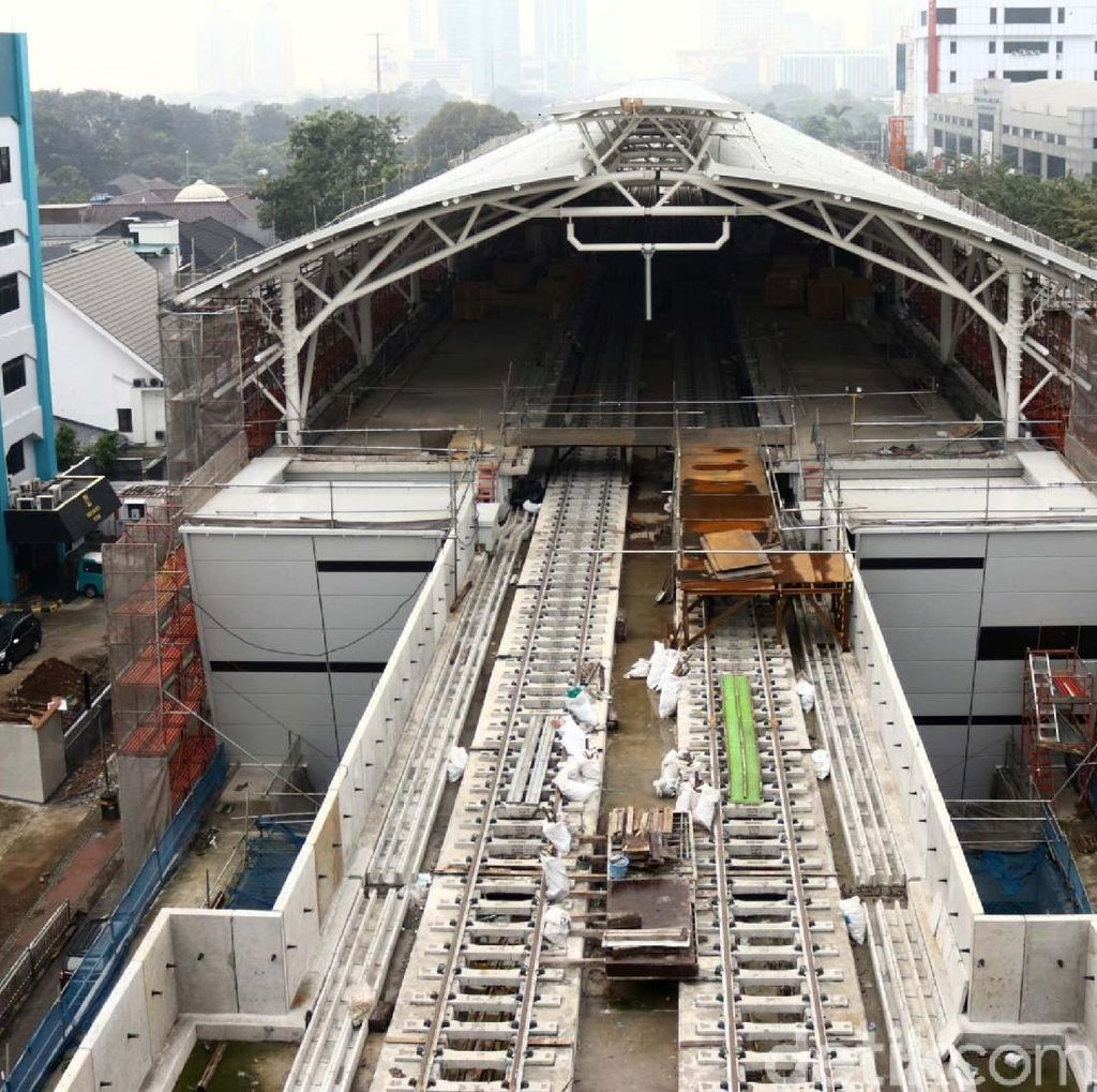 Progres Pembangunan MRT Jakarta 92,5%