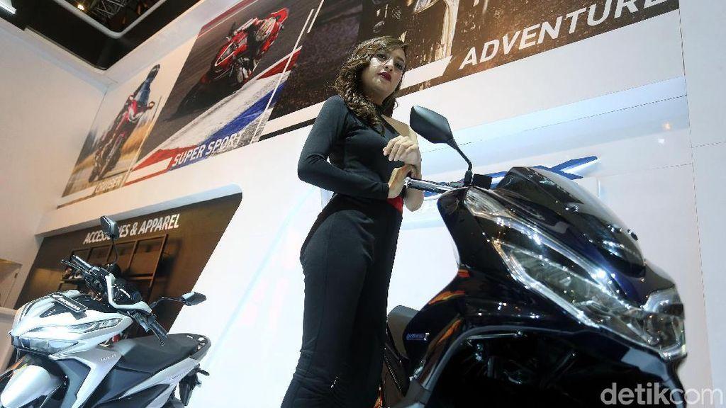 Sama-sama Dibuat di Sunter, Ini Beda Honda PCX Hybrid dan PCX Biasa