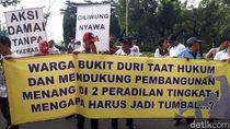 Minta Keadilan, Puluhan Warga Bukit Duri Demo di Depan MA