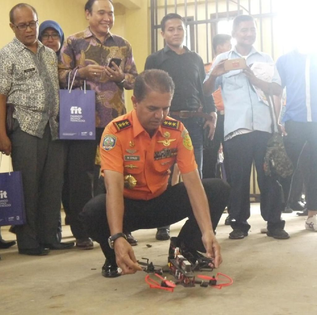 Saat Kabasarnas Jajal Drone Buatan Anak Bangsa